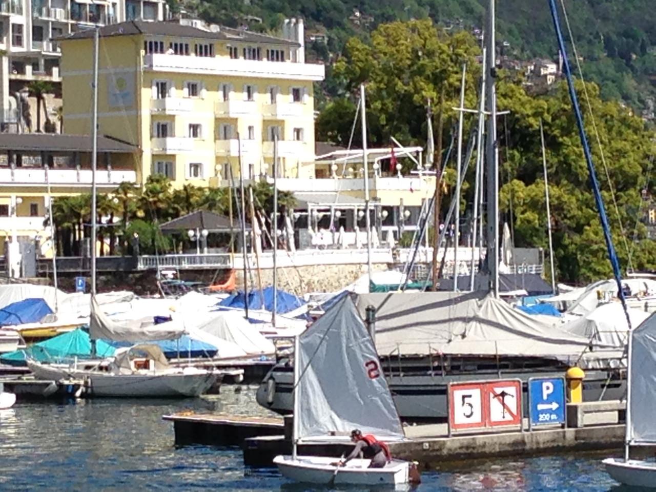 Yachtsport resort sintesi italiana for Cabine dell hotel di yellowstone del lago